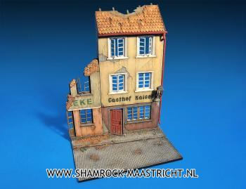 Miniart Ruined German Houses with Base 1/35